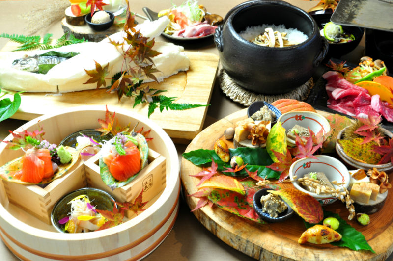 秋の懐石料理