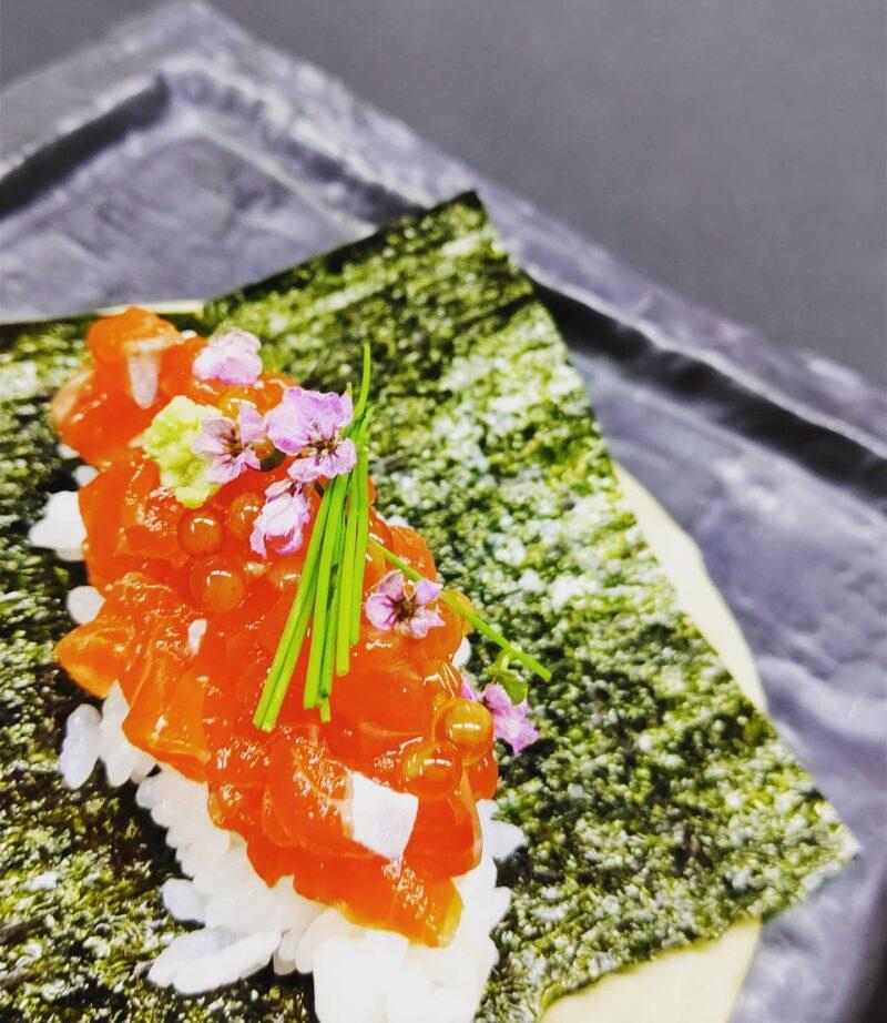 最高級ニジマス銀光の手巻き寿司